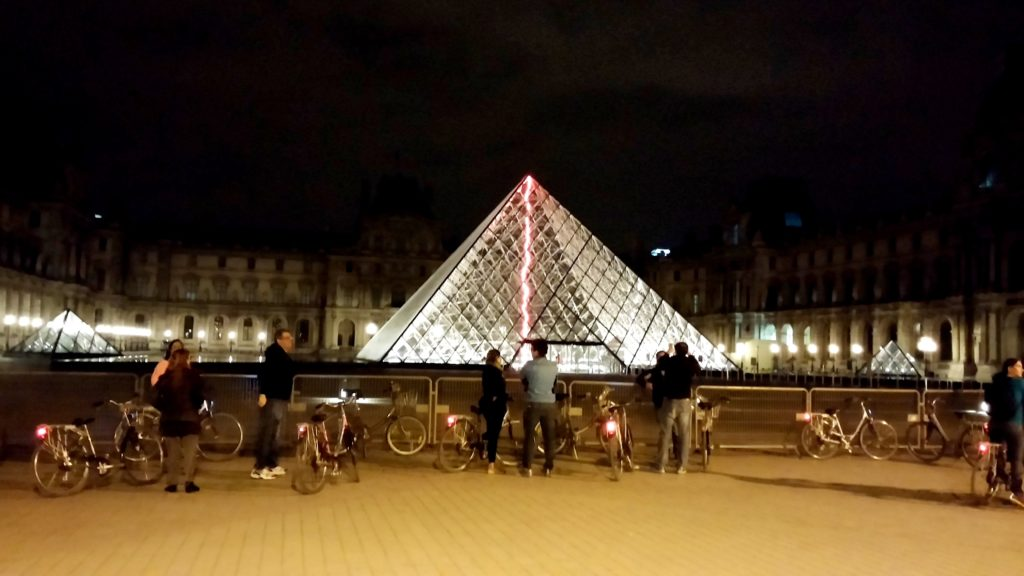 Fernanda Hinke; Go Bike Paris; Midnight in Paris by bike