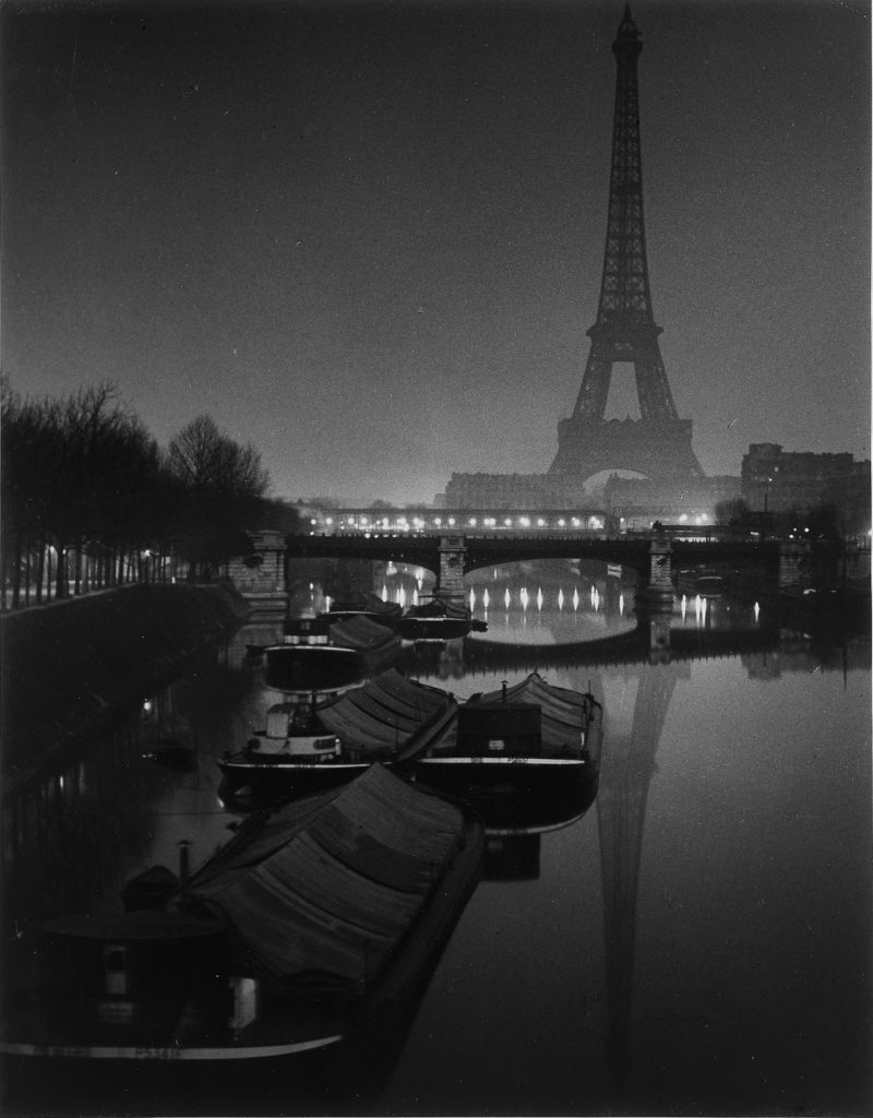 Fernanda Hinke Midnight in Paris by bike Go Bike Paris